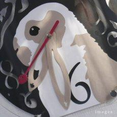 画像3: 新色追加! うさぎの時計<ラウンドタイプ>ブロークン柄 (3)