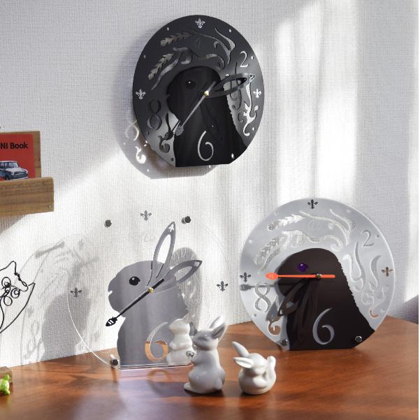 画像1: うさぎの時計<ラウンドタイプ>文字盤 チモシーリース (1)