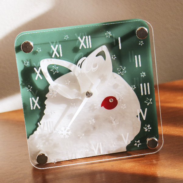 画像1: [限定予約販売]うさぎの時計<クリスマスデザイン>ミニタイプ (1)