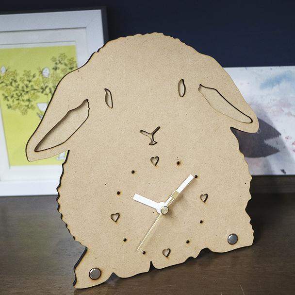 画像1: うさぎのシルエット時計(ロップ)<Woody Line> (1)